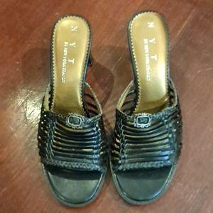 🌷2/$12 New York Transit shoes
